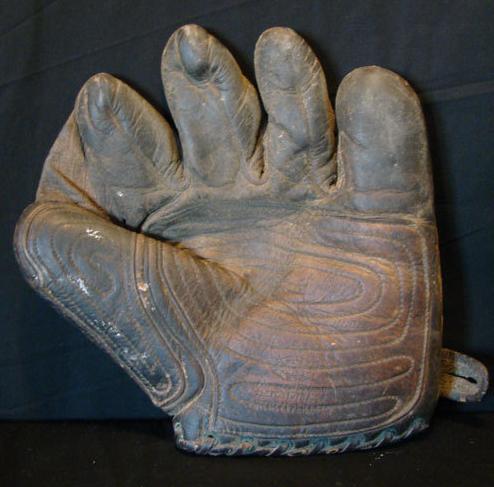 """""""Tornado Palm"""" glove"""