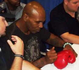 Autographs Mike Tyson