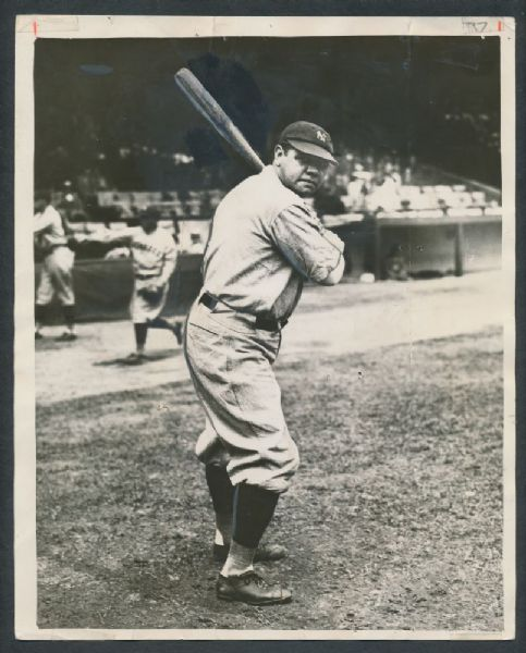 Babe Ruth 1927 posed photograph