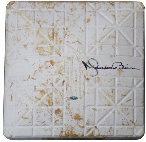 Game used base autograph Mariano Rivera