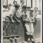 Mel Ott signing autographs 1929