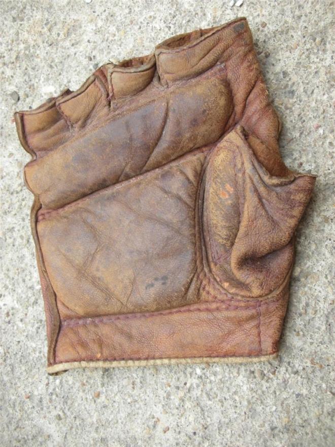 fingerless-ebay-glove-resized