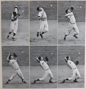 New York Giants' Daryl Spencer having trouble fielding a grounder from Dodgers' Gino Cimoli.