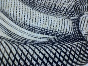 Engraving under the microscope: Parallel and orderly cross-hatching lines