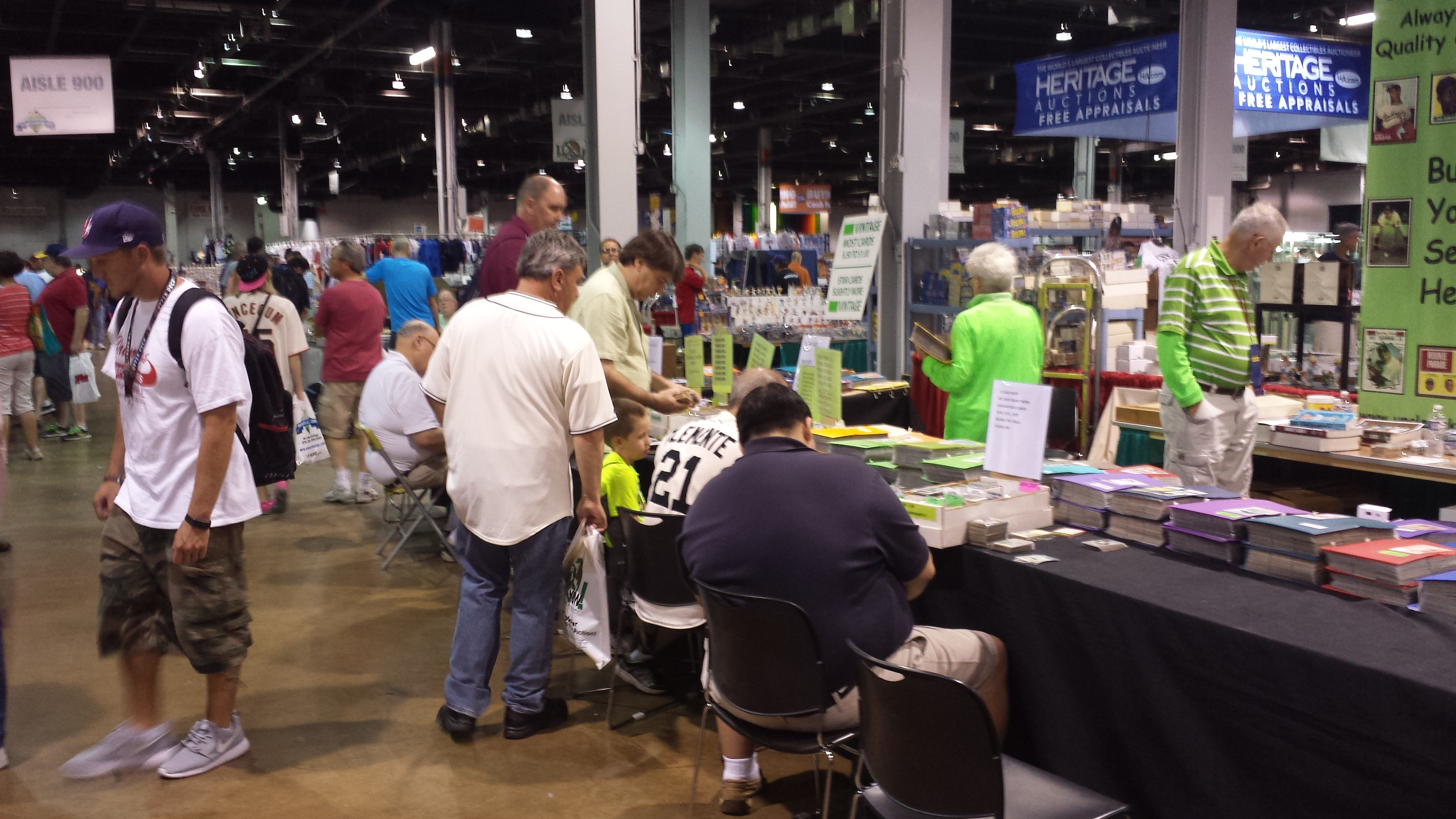 Chicago National Sports Collectors Convention crowd