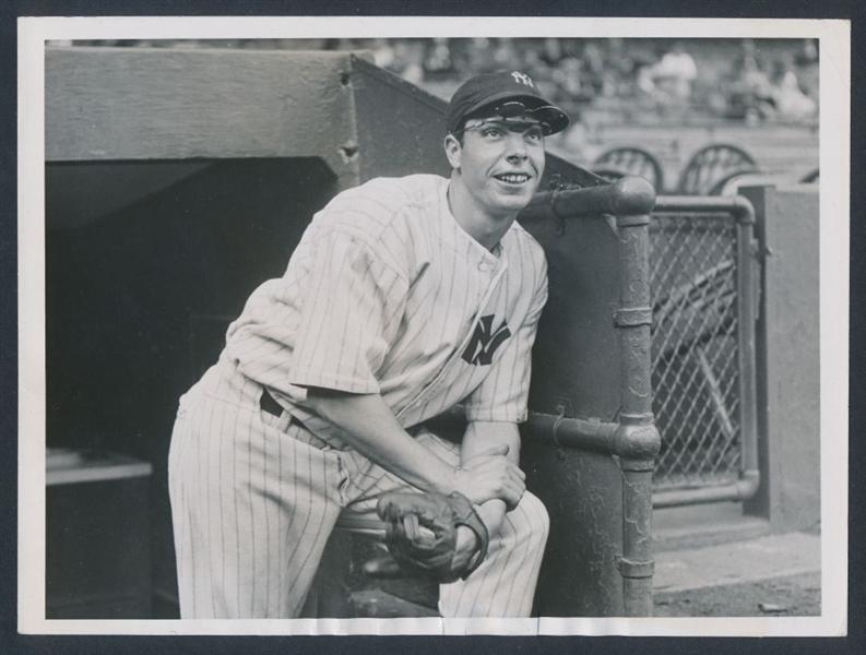 Joe DiMaggio 1937 photo