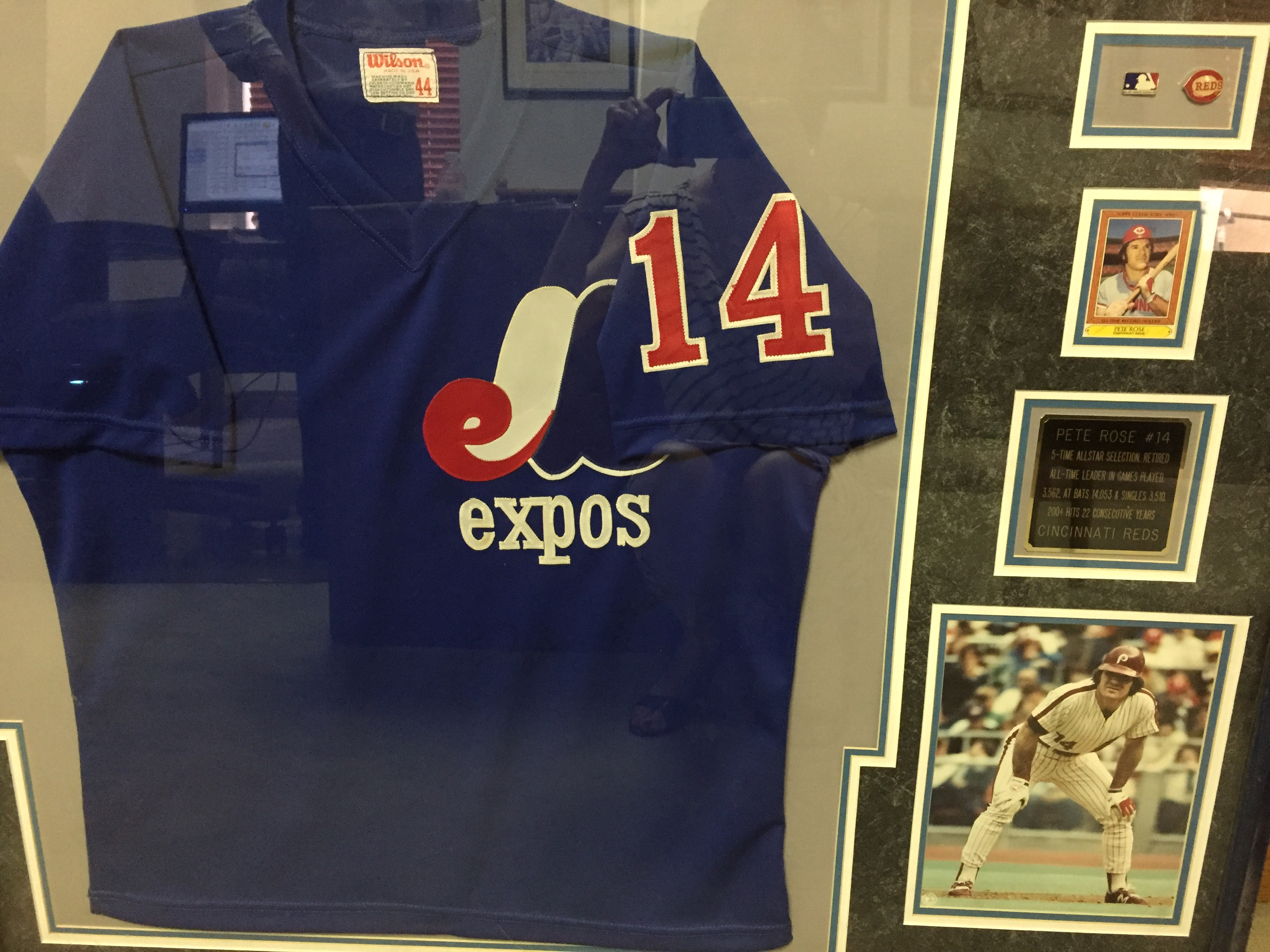 Pete Rose signed Expos jersey