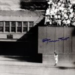 Willie Mays signed World Series catch photo 1954