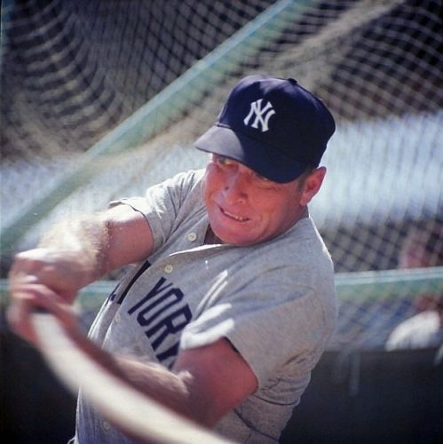 Color batting photo Mickey Mantle