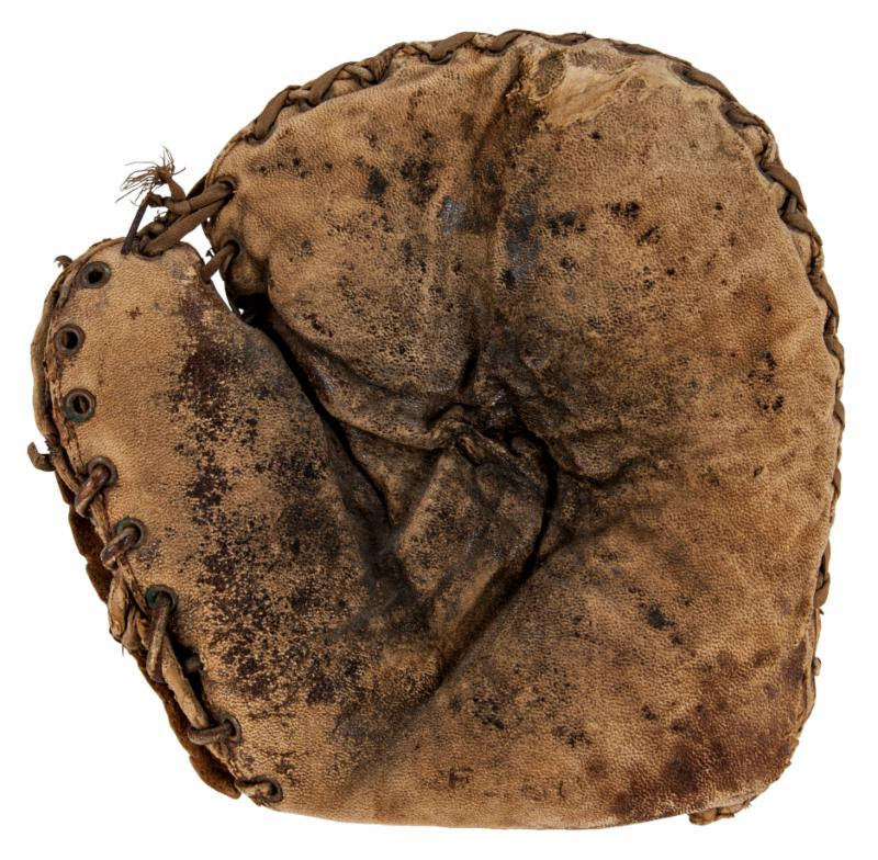 Early 1900s Babe Ruth mitt