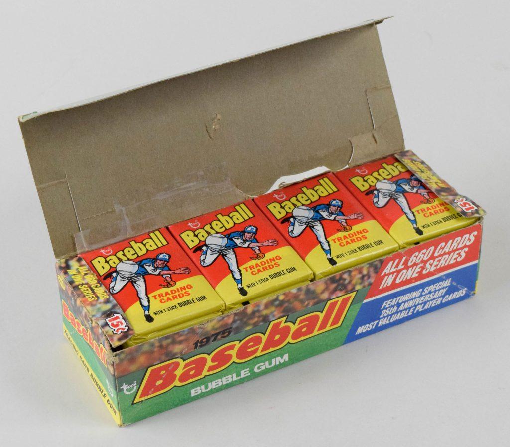Unopened box 1975 Topps baseball cards