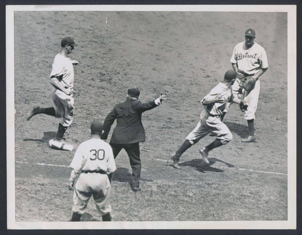1934 Tigers Yankees photo Gehrig Greenberg