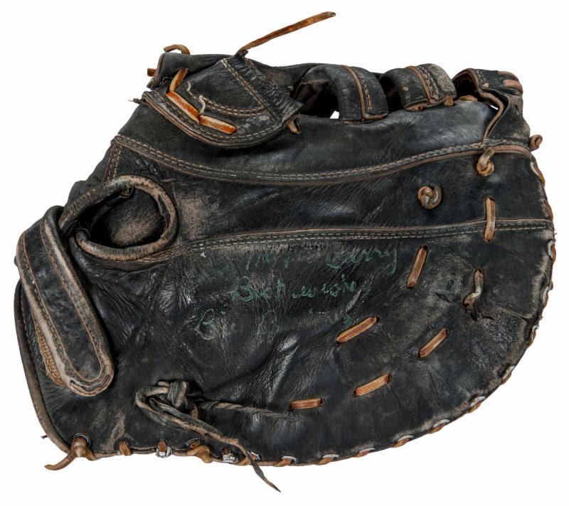 Bill Buckner glove 1986