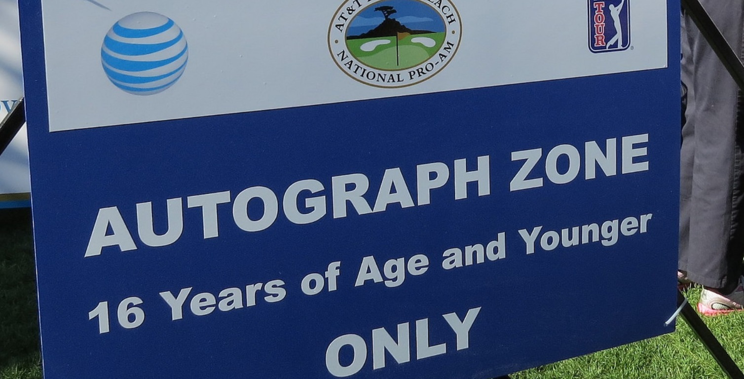 Autograph Zone sign