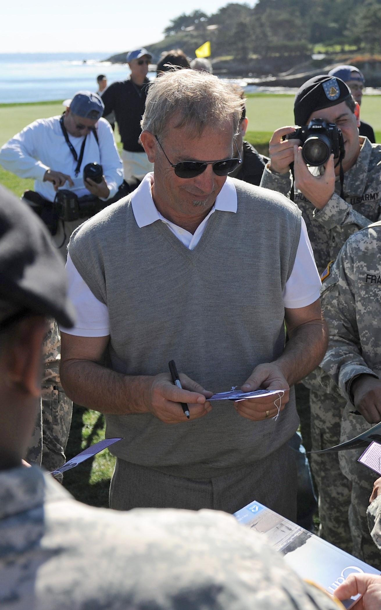 Kevin Costner autographs