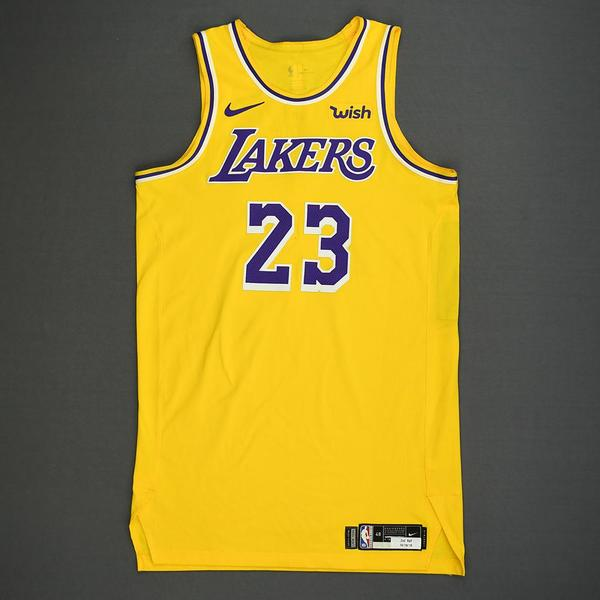 LeBron's First Lakers Jersey Brings $40,040