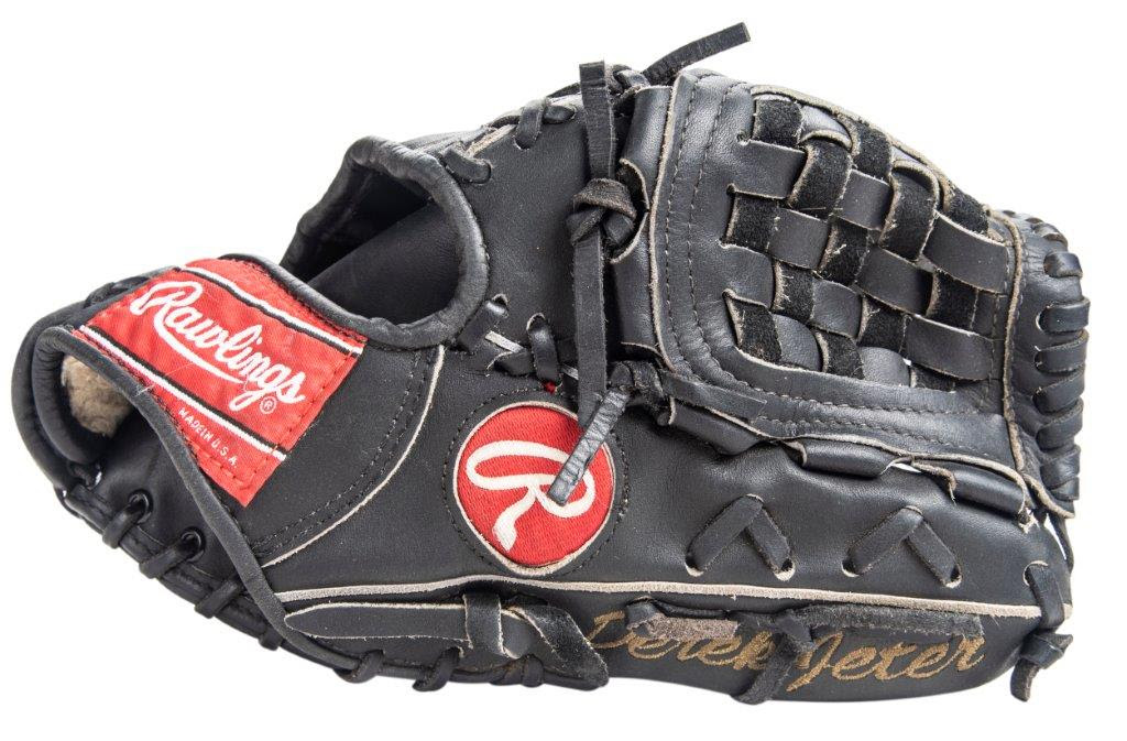 Derek Jeter game used glove